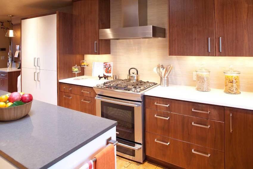 kitchen-wood-cabinets